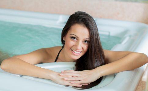 热水养生的好处 热水养生的功效与作用 热水养生有什么好处