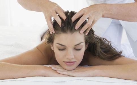 每天坚持按摩头皮有哪些好处 有哪些按摩头皮的手法 按摩头皮要注意什么