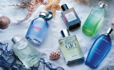 男人怎么使用香水比较好 使用香水的禁忌有哪些 香水怎么用