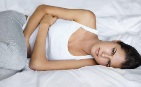女性下腹隐藏的疼痛不容忽视,这可能是疾病的征兆。