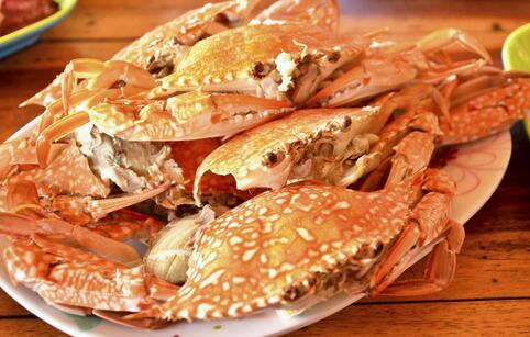 男子吃下螃蟹痛风发作 哪些人不宜吃螃蟹 不宜吃螃蟹的人