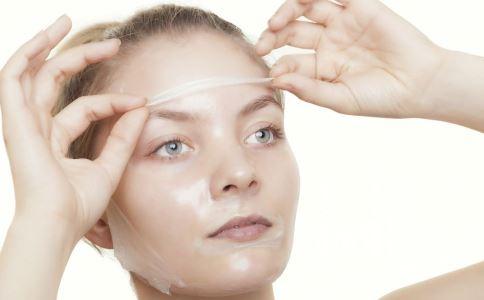 经常化妆会长斑吗 脸上长斑怎么办 脸上长斑怎么调理