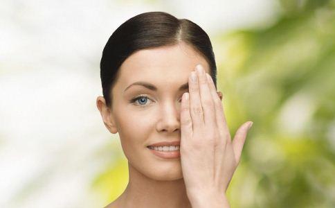 眼睛干燥喝什么茶 眼睛干燥如何治疗 如何缓解眼睛干燥