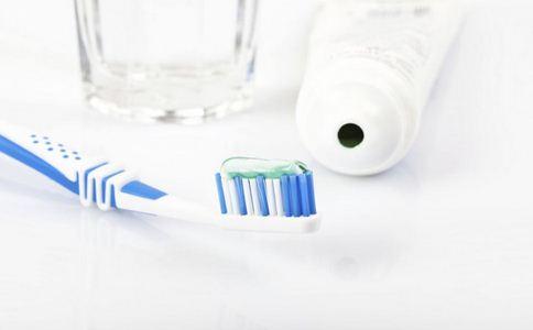 10万支假冒品牌牙膏被查 10万支假冒品牌牙膏 牙膏的真假辨别