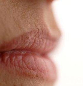 从唇色看健康 唇色过紫怎么办 紫色嘴唇如何调理