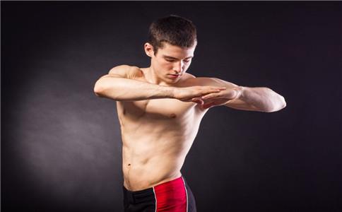 怎么把肩膀练宽 如何练宽肩膀 练宽肩膀的方法