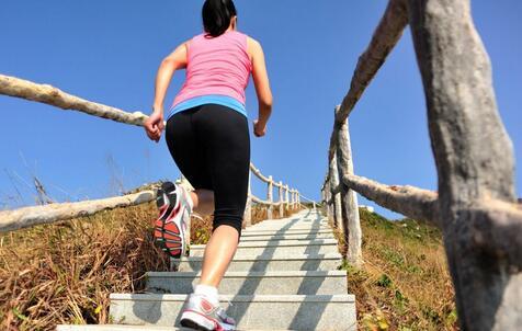 健身方式不对会练出老寒腿 健身练出老寒腿 运动过度导致老寒腿