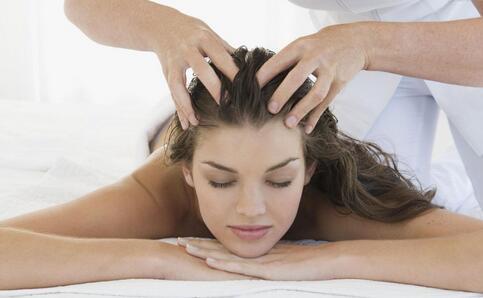每天掉发超过100根算秃了 秋季如何护发 秋季护发的方法有哪些