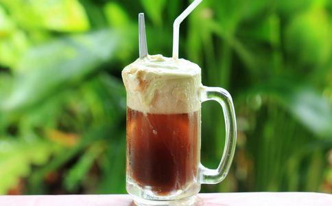 小伙重度糖尿病 喝饮料有什么危害 喝饮料的危害有哪些