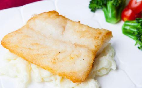 孩子吃哪种鱼更营养 孩子吃什么鱼好 河鱼和海鱼哪种更有营养