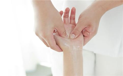 怎么练手腕力量 如何拉伸手腕 手腕扭伤怎么办