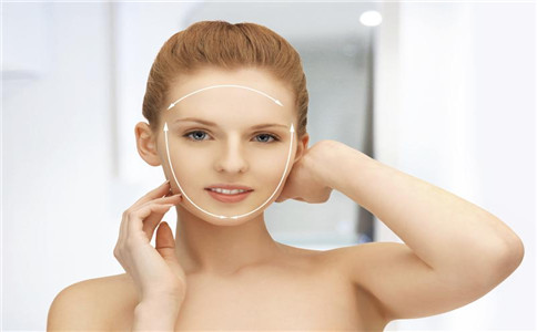 如何控油补水 皮肤出油的原因 皮肤如何补水