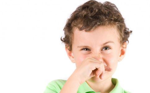 为什么宝宝鼻炎多 小儿过敏性鼻炎有哪些症状 小儿过敏性鼻炎有哪些危害