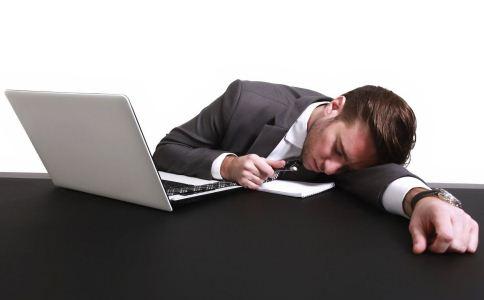 职场男士怎么健康午休 职场的午休方法有哪些 哪些植物适合放在办公室