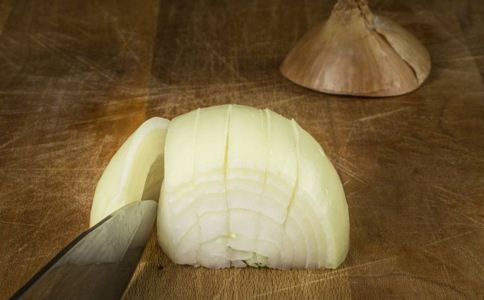 吃洋葱能降血脂吗 洋葱的吃法 洋葱的营养价值