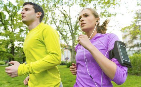 大学生出门跑步成面瘫 导致面瘫的原因 如何预防面瘫