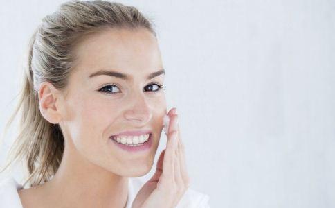 冬季如何护理皮肤 冬季皮肤干燥怎么护理 冬季皮肤痒怎么办