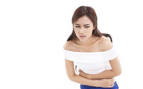 女性右下腹疼痛怎么回事 右下腹疼痛是什么原因 右下腹疼痛是炎症吗