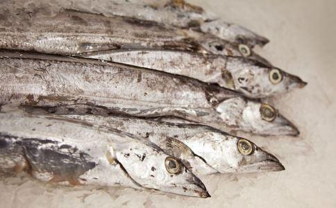 结肠癌是什么 结肠癌有哪些表现 结肠癌吃深海鱼的好处
