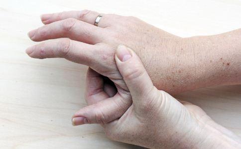 患皮炎的原因有哪些 皮炎怎么缓解 怎么预防皮炎