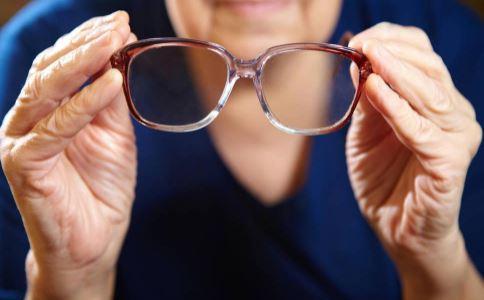 治疗老花眼的土方法 怎么治疗老花眼 老花眼怎么办