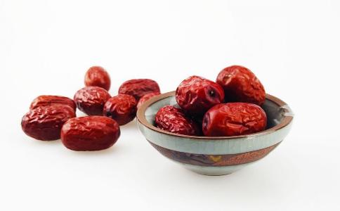 补血吃什么食物好 补血吃什么食疗方 补血吃什么