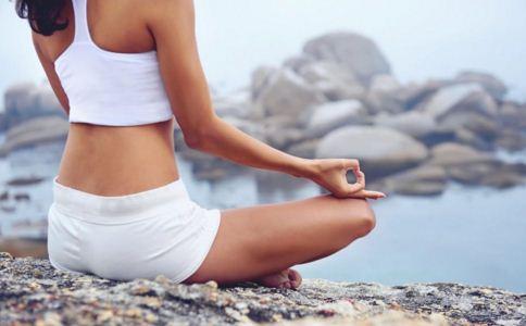 女人练瑜伽的好处 瑜伽能延缓更年期吗 能缓解更年期症状的瑜伽动作