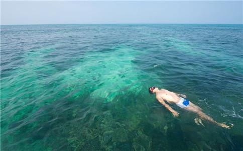仰泳动作技巧 仰泳注意事项 怎么学会仰泳