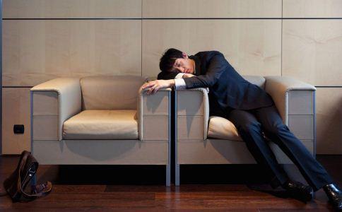 上班族该怎么科学午睡 午睡的方法有哪些 上班族午睡该注意什么