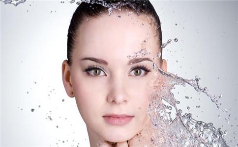 林允素颜现身机场 如何保养皮肤 保护皮肤的食物