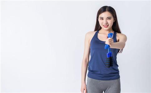弹力绳锻炼胸肌 弹力绳怎么练胸肌 弹力绳健身注意事项