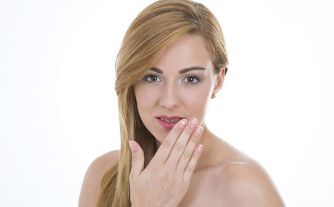 口腔溃疡的治疗方法 口腔溃疡能根治吗 口腔溃疡怎么治疗