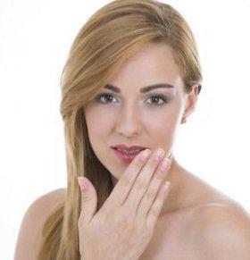 口腔溃疡能根治吗 8种疗法根除口腔溃疡