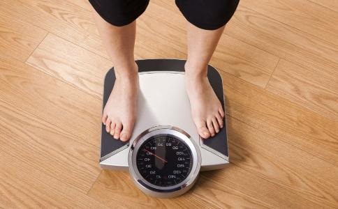 减肥要瘦几斤才能看出变化 体重轻了体型却没变怎么回事 怎么才能快速变瘦