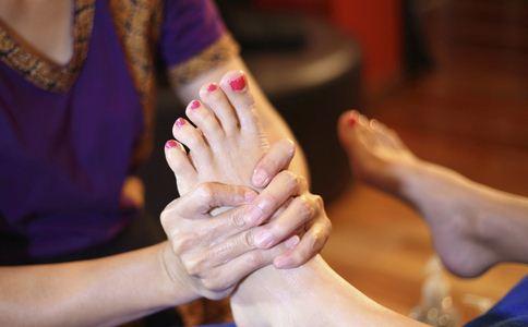 怎样去除脚臭 怎样去脚臭 去除脚臭的方法有哪些