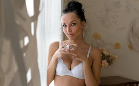 女人不保养咪咪会怎样 不保养乳房会变小吗 女人如何保养乳房