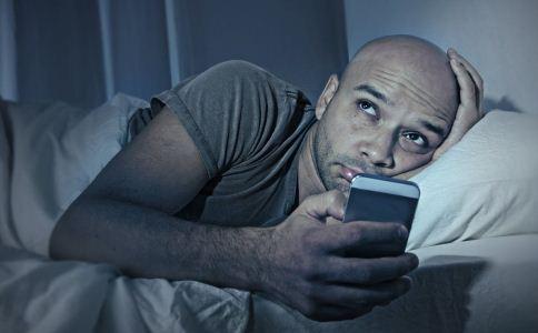 为什么越累越睡不着 什么方法可以助睡眠 越累越睡不着是怎么回事