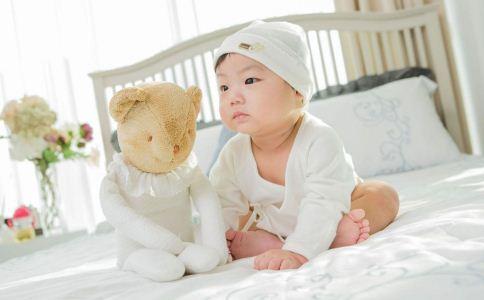 秋冬小孩怎么穿衣能保暖 冬季小孩怎么穿衣 冬季怎么判断孩子冷暖