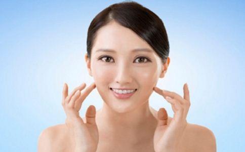 哪些方法可以去角质 怎么洗脸比较好 怎么给脸部去角质