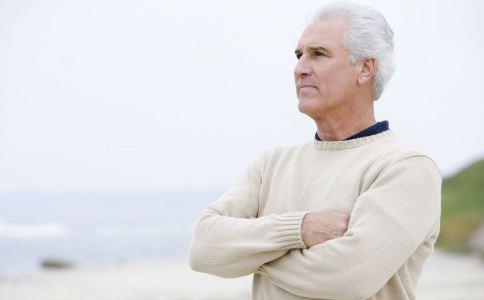 老人冬季要预防哪些疾病 老人冬季养生方法 老人冬季养生秘诀