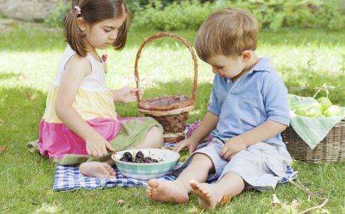 小儿荨麻疹的治疗方法有哪些 荨麻疹的禁忌有哪些 小儿荨麻疹该注意什么