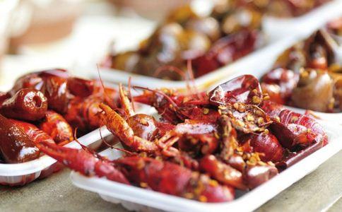 400斤龙虾走红毯 小龙虾的功效是什么 小龙虾饮食禁忌
