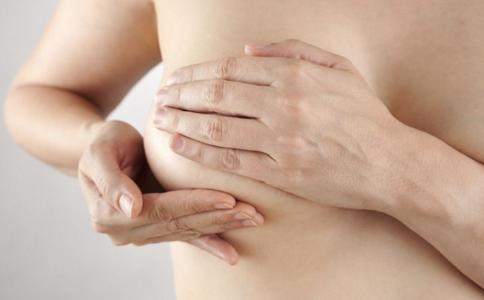 为什么产后会得乳腺炎 产后如何预防乳腺炎 乳腺炎还能喂奶吗
