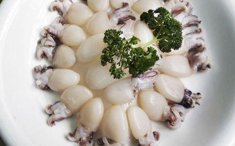 女人吃鱿鱼的好处 鱿鱼的做法 香辣鱿鱼须的做法