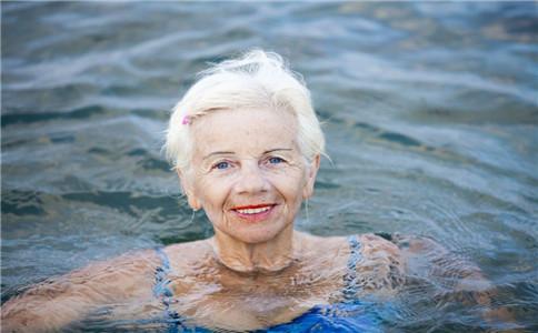 冬泳的好处 冬泳的注意事项 什么人不适合冬泳