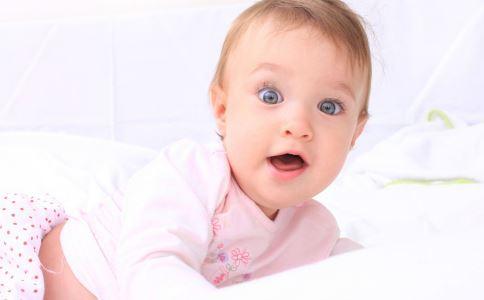 攒肚婴儿大便什么颜色 婴儿攒肚大便颜色 婴儿攒肚