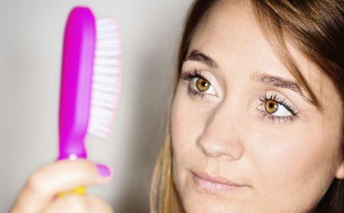 产后脱发严重怎么办 产后脱发吃什么好 如何治疗产后脱发
