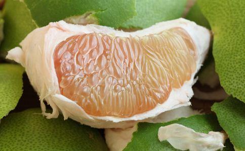 如何挑选柚子 柚子的营养价值 吃柚子的好处