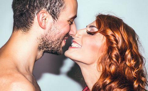 接吻10秒交换菌群 接吻交换菌群 接吻 夫妻相