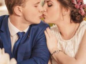 接吻10秒交换菌群 夫妻相就是这么来的